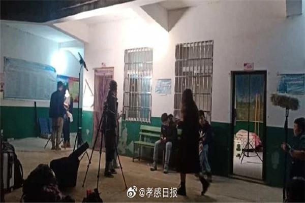 武汉大学师生到湖北大悟彭店拍摄微电影《展翼如期》