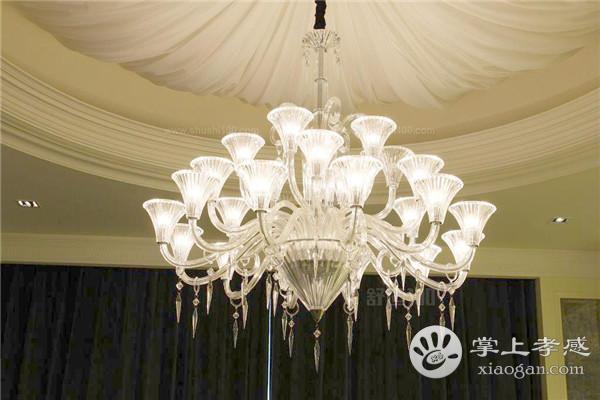 孝感新房装修客厅是装吸顶灯还是装水晶吊灯?客厅装吸顶灯和水晶吊灯哪种好?[图1]