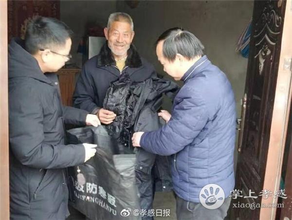 孝昌县提前发放受灾群众过冬衣物[图2]